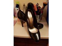 Lovely size 5 Mark and Spencer work heels