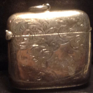 LARGE STERLING SILVER VESTA MATCH CASE -
