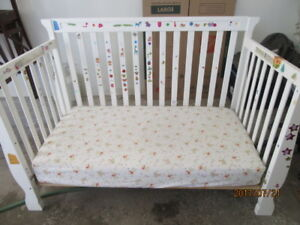 baby crib with mattress and commode