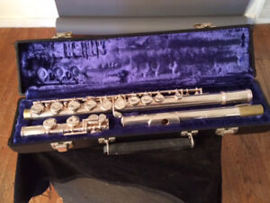 Gemeinhardt Flute for Sale with Case and Cleaning Rod