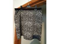 SIZE 16 ANIMAL PRINT PULL UP STYLE SKIRT