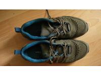 Merrel - hiking shoes. Size 8.5