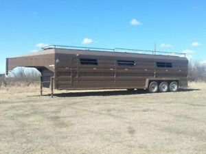 REDUCED!!! 2001 40ft Norbert Livestock Trailer