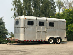 Custom Built CM 3 Horse-Angle Haul Trailer