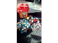 LEGO SELECTION OF BRICKS ETC LARGE BUNDLE PLUS STORAGE BOX USED VERY GOOD CONDITION