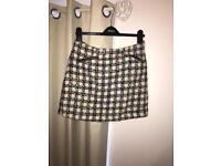 Warehouse skirt
