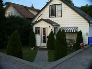 Gorgeous 3 Bdrm. All Incl'd.  Hosp Area. Avail. Aug or Sept