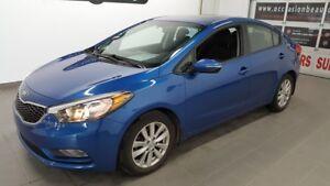 2014 Kia Forte LX+, mags, toit ouvrant, bluetooth