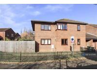 6 bedroom house in Rothersthorpe, Milton Keynes, MK14 (6 bed)