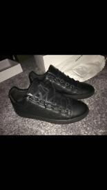Balenciaga arena black low top size 9