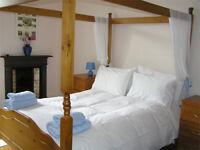 Edinburgh Festival/Short Term/holiday flat by Meadows, sleeps 6, wifi, cot, hi chair, castle view