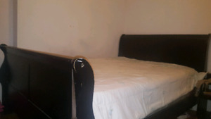 Queen size bed with matress