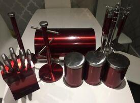Morphy Richards Kitchen set of 6 - red