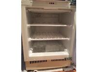 Integrated / under the counter Hotpoint Fridge + Freezer