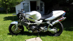 excellent condition fully serviced honda vtr 1000
