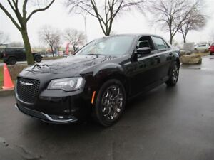 2016 Chrysler 300 S ALL WHEEL DRIVE*EXTRA CLEAN!