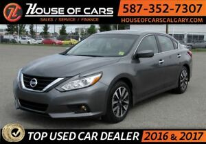 2017 Nissan Altima 2.5 SV /  Back up Camera / Sunroof
