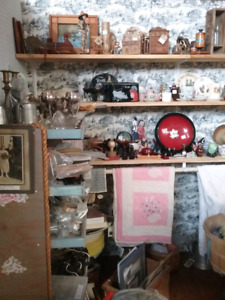 Antiques, Collectibles, household 1000 booths full