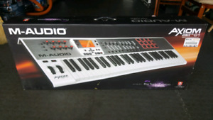 M-audio Axiom Air 61 Keyboard BNIB