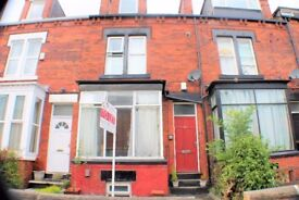 ***1st MONTH RENT HALF PRICE *** 4 Bed House - Bentley Lane - Workers/ Students ONLY! £250pppm