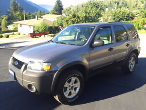 2007 Ford Escape V6 4wd XLT SUV, Crossover