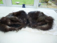 vintage shoulder cape in real fox fur