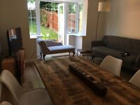 Double bedroom in a townshouse (3 mins from JLR and 8 mins from UHCW)