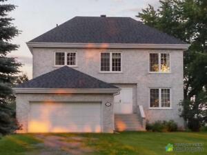 435 000$ - Maison 2 étages à vendre à Champlain
