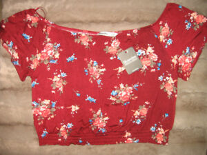 BRAND NEW WITH TAGS BLUENOTES CROP TOP, SIZE LARGE