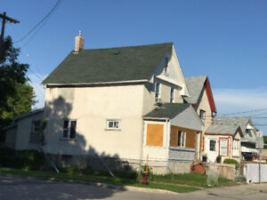 5 bedroom house for rent august 1st