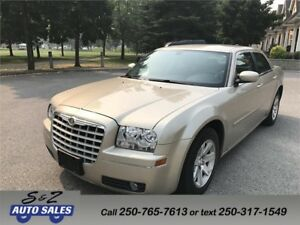 2006 Chrysler 300 LOW KM! GARAGE KEPT!