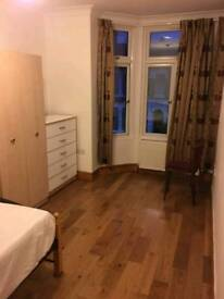 2 rooms in GANTS HILL