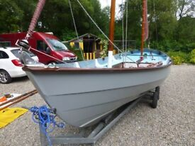 Yacht Drascombe Lugger