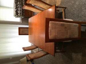 Cherry Dining table/chairs