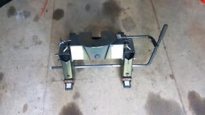 Reece 15k sliding fifth wheel hitch