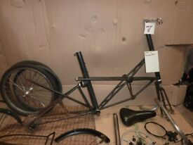 Moulton AM7 frame and some parts - suitable renovation
