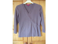MONSOON women's brown V-neck ¾ length sleeve top with cross-over effect silk trim. Size 12. £3 ovno