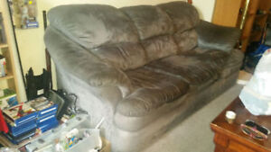 COUCH 20$ NO PETS DONT SMOKE 1 DAY SALE.... TEXT 2264489639