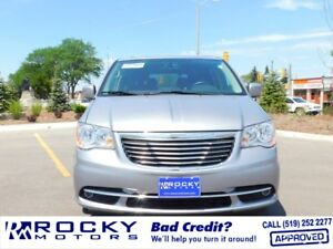 2014 Chrysler Town and Country - BAD CREDIT APPROVALS