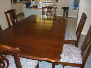 Made in Canada hard wood Deluxe Colonial dinning room set