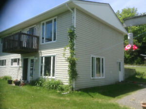 COUNTRY DUPLEX ---20 mins South of North Bay