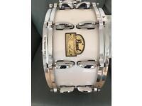 Pearl signature snare drum