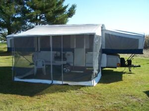 Trailer awning screen room