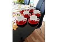 6 Teacups and saucers