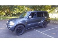 MITSUBISHI SHOGUN**warrior**FACELIFT 05- diesel-AUTO**panoramic roof satnav**TOP SPEC with LEATHER
