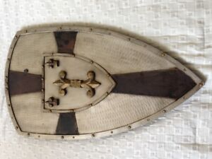 REAL SIZE MEDIEVAL SHIELD DÉCOR - perfect for your boy/man's cav