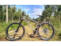 Stunning Stanton Switchback Custom (As New) Medium - 650b Mountain Bike - 2.2k new