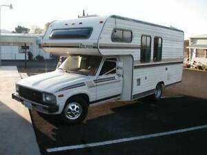 1982 Toyota Other Dolphin Camper Other