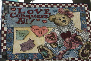 """Boyds Bears placemat """"Love Conquers All""""- pre-owned"""
