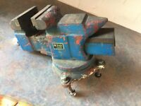 used but fully working large metal working vice. downsized house and no longer have room.